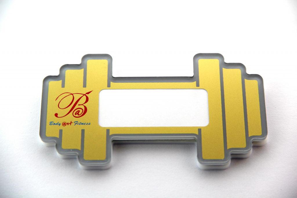 Пластиковый бейдж с окошком для имени «Body art fitness»