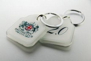 брелки с номером и логотипом
