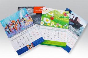 календари с логотипом на пружине